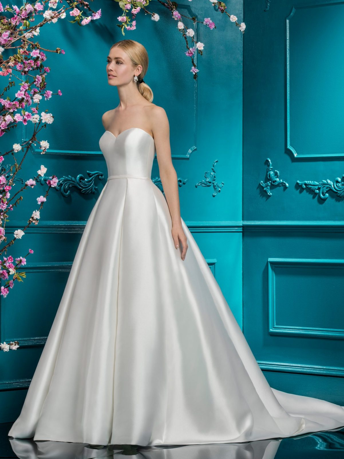 7ebc5de173 Mikado 19118 Wedding Dress